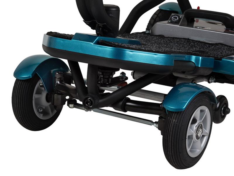 """Un quatre roues complet et stable avec de grands et larges pneumatiques (7"""" devant / 9"""" derrière) pour une conduite plus confortable"""