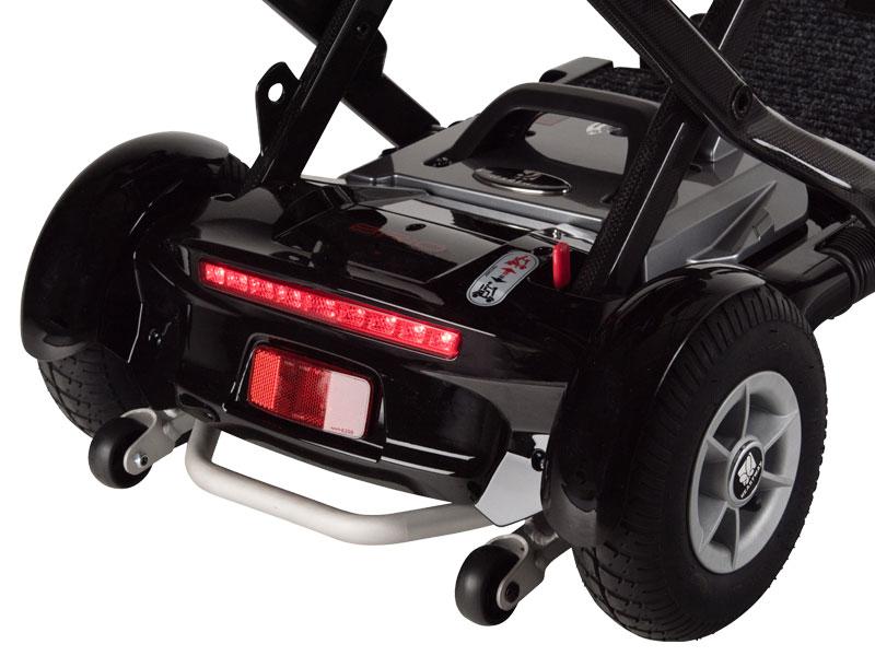 """Éclairage LED et roues arrière de 9"""" avec pneumatiques larges pour une conduite plus confortable"""