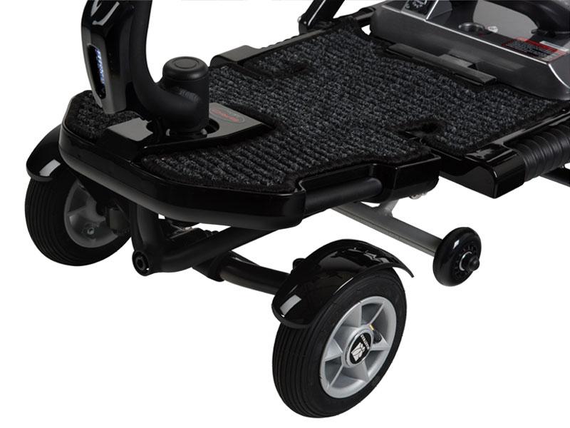 """Een volwaardige, stabiele vierwieler met royale been-/voetruimte en 7"""" voorwielen met luchtbanden"""
