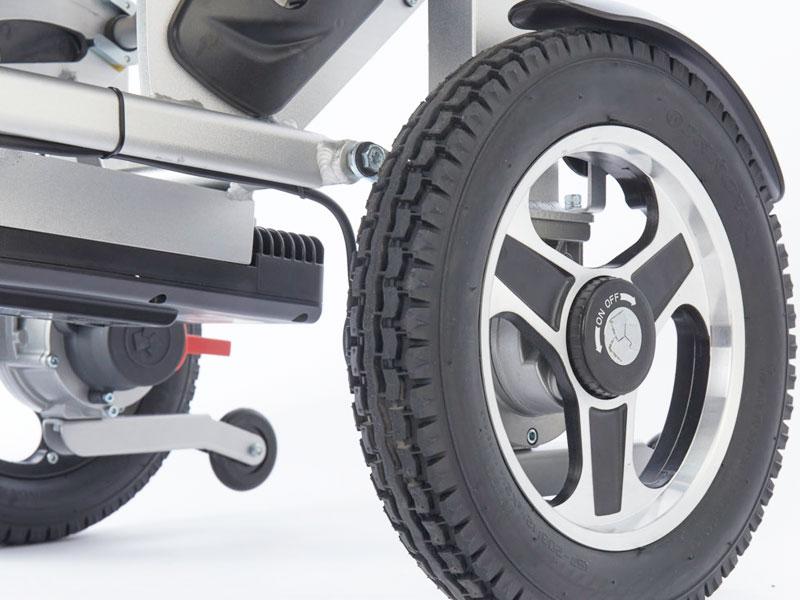 """Krachtige motoren (2x250 W) met extra vrijloop en stijlvolle 12"""" achterwielen met brede rubberen antilekbanden"""