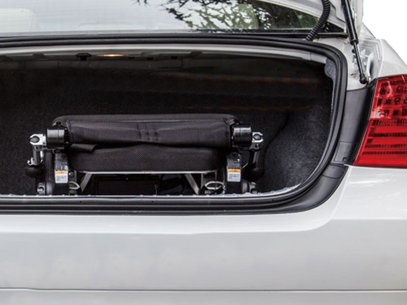 Kan mee in auto, trein, taxi, bus of vliegtuig (23 kg excl. batterijen)