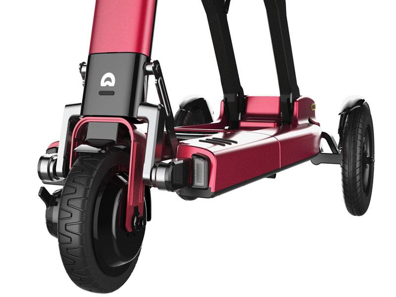 Meer rijcomfort door grote achterwielen met luchtbanden   Makkelijk over obstakels door voorwielaandrijving