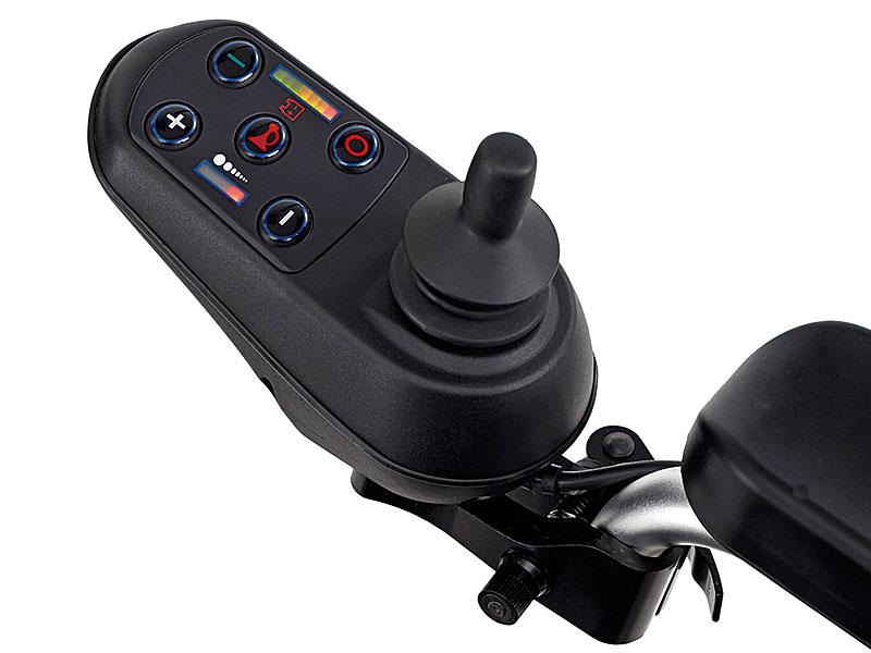 Overzichtelijk bedieningspaneel met joystick, zowel links als rechts te monteren